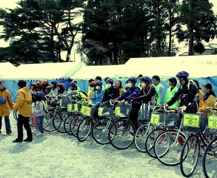 自転車贈呈式の様子